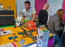 Cabina della penna del gioco 3D della polaroid durante il CEE 2017 a Kiev, Ucraina Immagini Stock Libere da Diritti