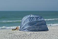 Cabina della spiaggia Fotografie Stock Libere da Diritti