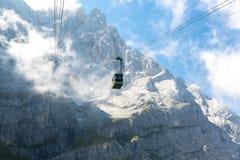 Cabina di funivia alla montagna Germania di Zugspitze Fotografia Stock