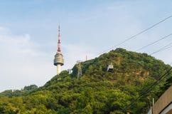 Cabina di funivia alla torre di N Seoul Immagini Stock