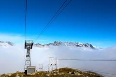 Cabina di funivia a Chamonix-Mont-Blanc che va al l'aiguille du Midi Immagine Stock