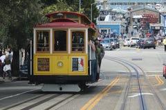 Cabina di funivia con il punto di vista di Hyde Street nella direzione del nord a San Francisco Questa vista fornisce una vista p Fotografia Stock Libera da Diritti
