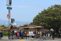 Cabina di funivia con il punto di vista di Hyde Street nella direzione del nord a San Francisco Questa vista fornisce una vista p Immagine Stock
