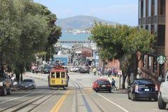 Cabina di funivia con il punto di vista di Hyde Street nella direzione del nord a San Francisco Questa vista fornisce una vista p Immagini Stock Libere da Diritti
