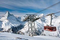 Cabina di funivia da Blauherd a Rothorn, Zermatt, Svizzera Immagini Stock