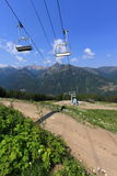 Cabina di funivia della montagna (gondola) Immagine Stock
