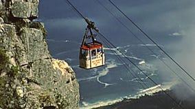 Cabina di funivia della montagna della tavola di Citt? del Capo video d archivio