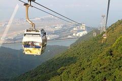 Cabina di funivia di rumore metallico 360 di Ngong sull'isola di Lantau Fotografie Stock