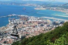 Cabina di funivia e città, Gibilterra Fotografia Stock Libera da Diritti