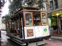 Cabina di funivia famosa di San Francisco immagini stock libere da diritti