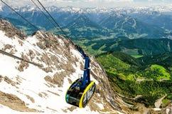 Cabina di funivia in ghiacciaio di Dachstein Fotografia Stock Libera da Diritti