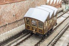 Cabina di funivia modulare delle cabine sulla collina del castello a Budapest, Ungheria Fotografie Stock