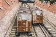 Cabina di funivia modulare delle cabine sulla collina del castello a Budapest, Ungheria Fotografia Stock