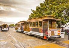 Cabina di funivia pronta a muoversi a San Francisco fotografie stock libere da diritti
