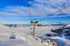 Cabina di funivia sul Mt Fronalpstock in Svizzera Immagine Stock