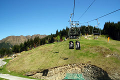 Cabina di funivia sulla montagna Fotografia Stock Libera da Diritti