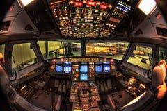 Cabina di guida del Airbus A330 alla notte Fotografie Stock Libere da Diritti