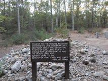 Cabina di Henry David Thoreau vicino a Walden Pond, accordo, Massachusetts, U.S.A. immagini stock libere da diritti