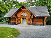 Cabina di legno di festa, casa di ceppo Fotografia Stock Libera da Diritti