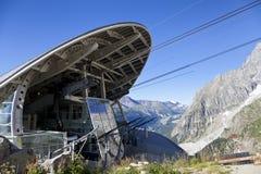 Cabina di nuova teleferica SKYWAY MONTE BIANCO dal lato italiano di Mont Blanc Immagine Stock