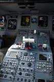 Cabina di pilotaggio dell'aereo di linea del getto Fotografia Stock Libera da Diritti