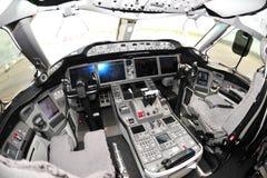 Cabina do piloto de Boeing 787 Dreamliner em Singapura Airshow 2012 foto de stock royalty free