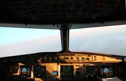 Cabina do piloto de um avião Imagens de Stock Royalty Free