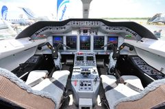Cabina do piloto de um plano em Singapore Airshow 2010 Fotos de Stock