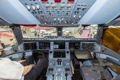 Cabina do piloto do avião de Airbus A350 XWB Imagens de Stock