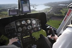 Cabina do piloto do helicóptero fotografia de stock royalty free