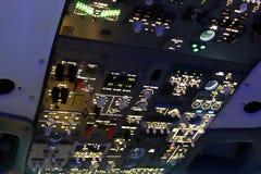 Cabina do piloto do jato imagens de stock royalty free