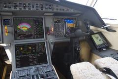 Cabina do piloto do jato do negócio Fotografia de Stock Royalty Free