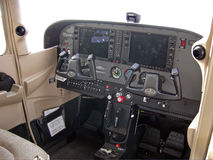 Cabina do piloto do modelo 172R de Cessna Fotografia de Stock
