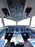 Cabina do piloto do Superjet 100 de Sukhoi em Singapura Airshow Imagem de Stock