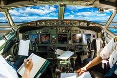 Cabina do piloto no céu nebuloso Imagens de Stock Royalty Free