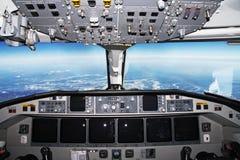 Cabina do piloto no vôo foto de stock