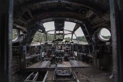 Cabina do piloto plana velha, painel Fotos de Stock
