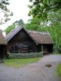 Cabina ecológica vieja en el parque de Skansen fotos de archivo
