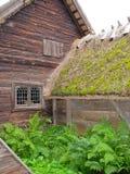 Cabina ecológica vieja en el parque de Skansen foto de archivo libre de regalías