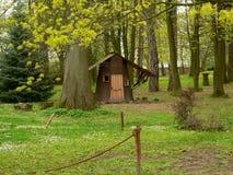 Cabina en el bosque Imágenes de archivo libres de regalías
