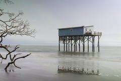 Cabina en la isla de la caza Fotos de archivo libres de regalías
