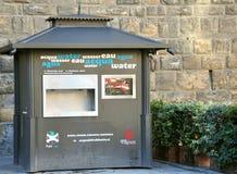 Cabina libre del abastecimiento de agua en Italia Fotos de archivo libres de regalías