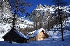 Cabina nell'orario invernale fotografia stock libera da diritti
