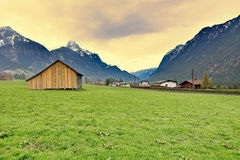 Cabina nella campagna austriaca Immagini Stock