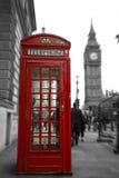Cabina roja con ben grande Fotografía de archivo libre de regalías