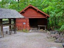 Cabina roja en Skansen fotos de archivo