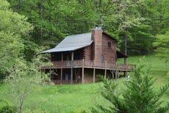 Cabina rurale occidentale della montagna del paese di NC fotografie stock
