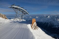 Cabina telefonica in alpi Fotografie Stock