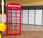 Cabina telefonica rossa a Bangkok, Tailandia Fotografia Stock