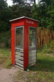 Cabina telefonica rossa norvegese Immagini Stock Libere da Diritti